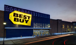 exterior view of Best Buy store with neutral host DAS service